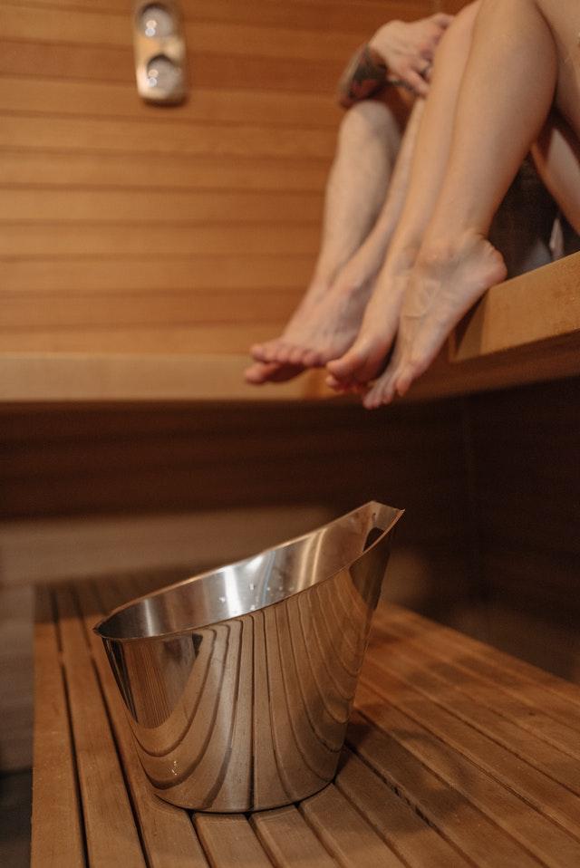Pro pohodu v sauně je potřeba, aby bylo dřevo kvalitně ošetřené.